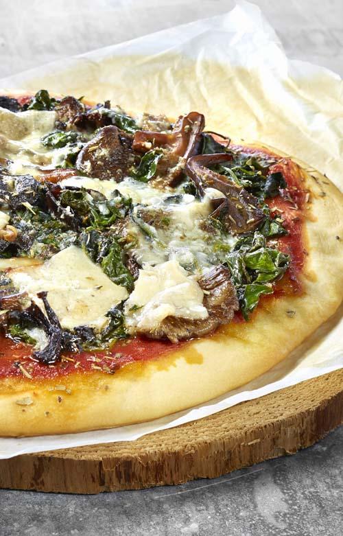 Pizza forestière au beurre à l'ail
