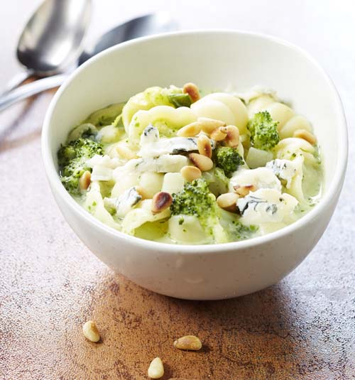 Broccolisoep met gnocchi, gorgonzola en peterselieroom