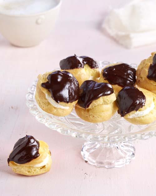 Soezen Met Slagroom En Chocolade Colruyt
