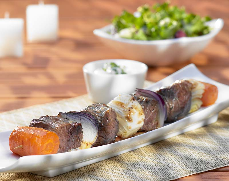 Brochettes van rundvlees en groenten
