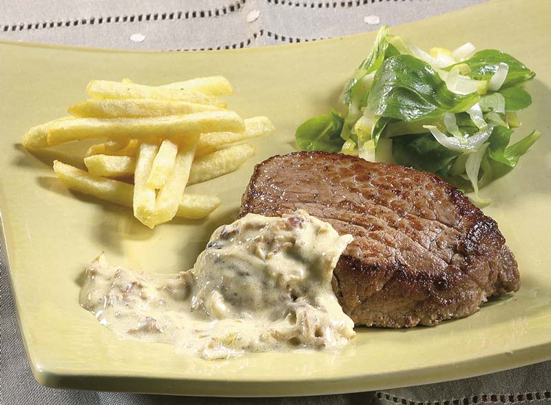 Steak, sauce au fromage aux fines herbes