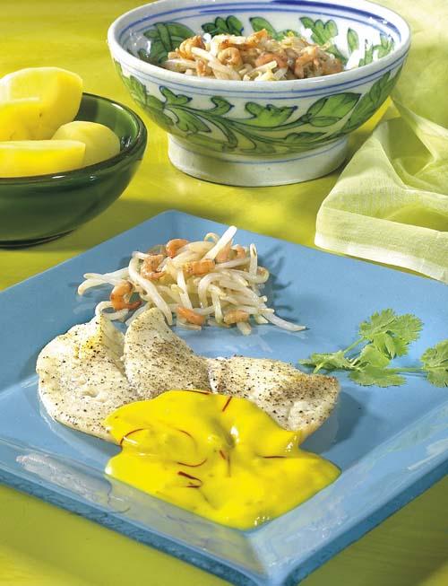 Filets de flétan aux crevettes sauce au safran.