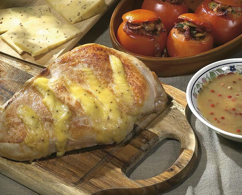 Rôti de dinde au fromage aux graines de moutarde