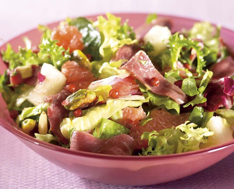 Salade de canard fumé au poivre rose