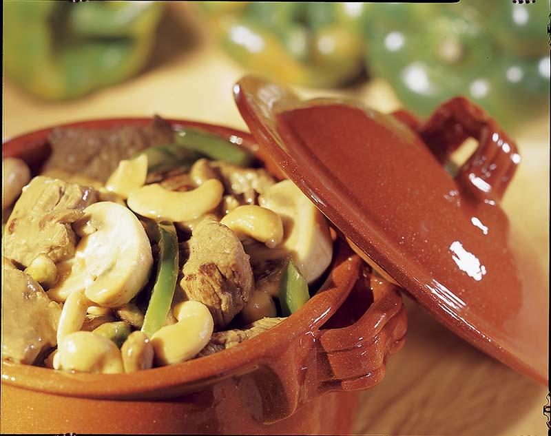 Gemarineerd stoofvlees met nootjes
