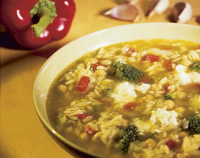 Soupe de poivrons aux brocolis et à la feta