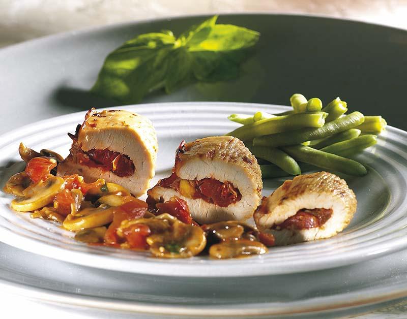 Dinde aux tomates méridionales, au basilic
