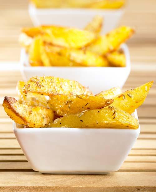 Aardappelen in een kruidig korstje