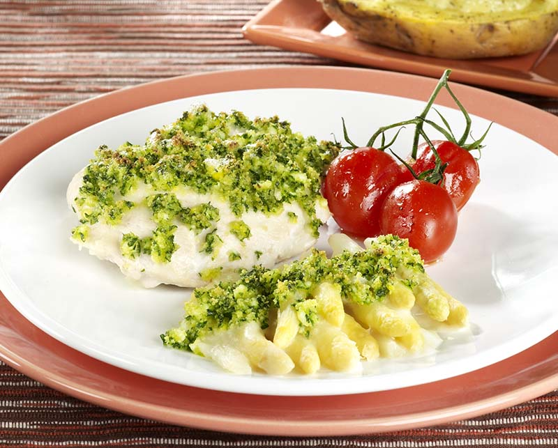 Filets de dindonneau aux asperges et crumble au persil