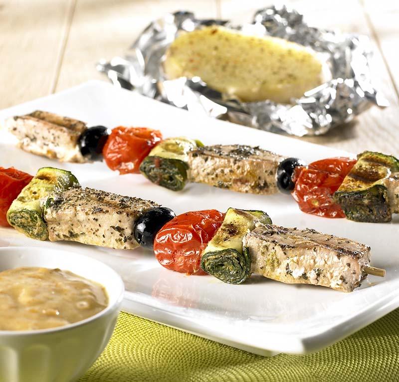 Reuzenbrochettes met tonijn en courgetterolletjes