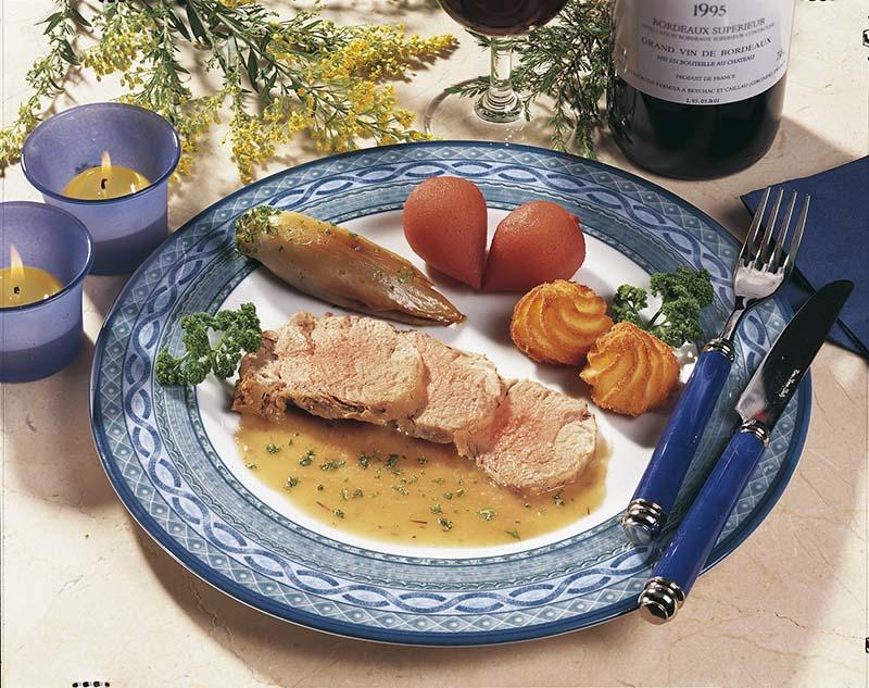 Filet pur de porc et baby-poires confites au vin