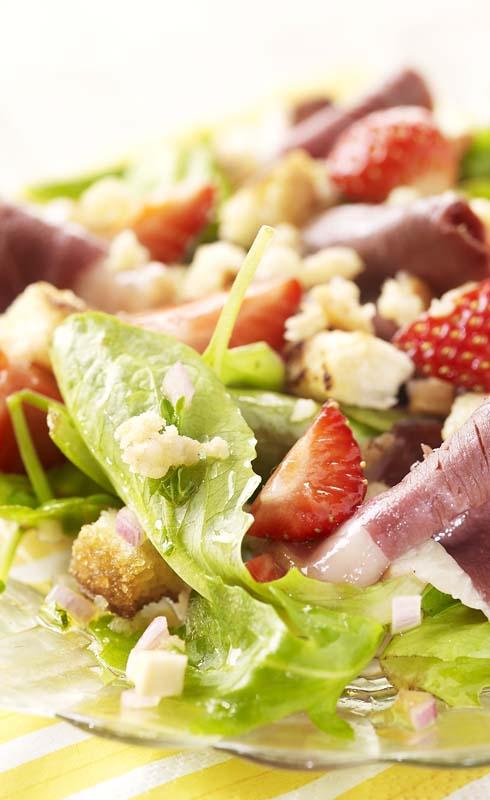 Salade folle aux fraises
