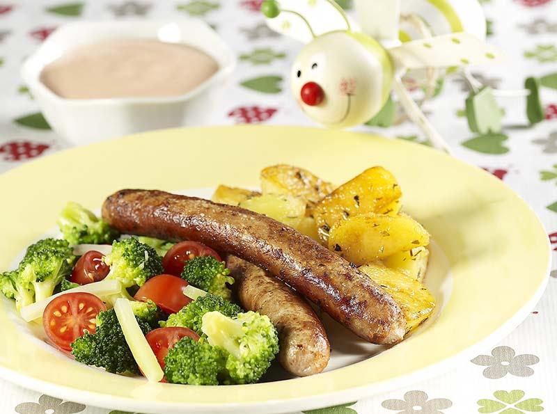 Chipolata met broccoli en gebakken patatjes