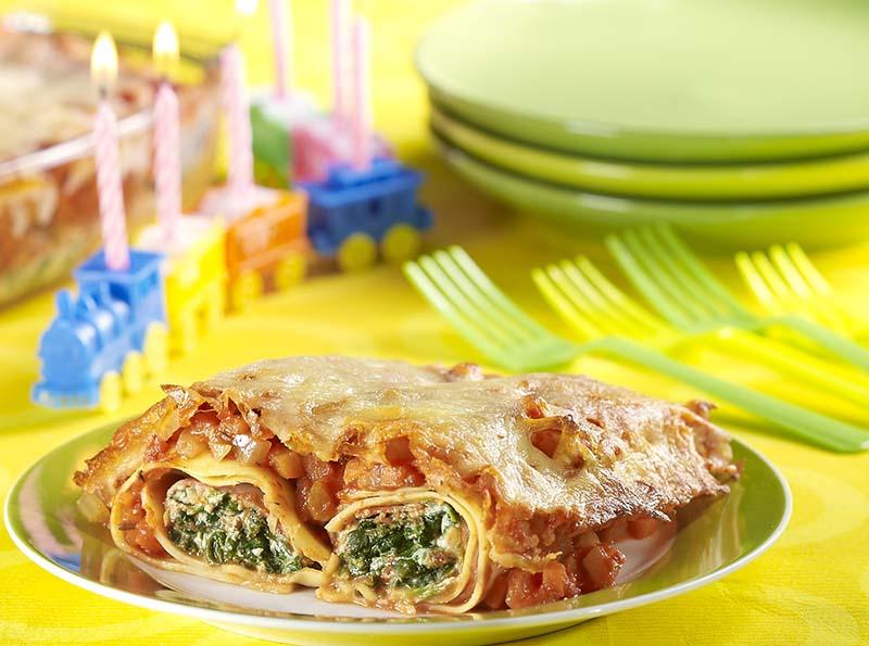 Pastarolletjes met spinazie-ricotta en tomatensaus