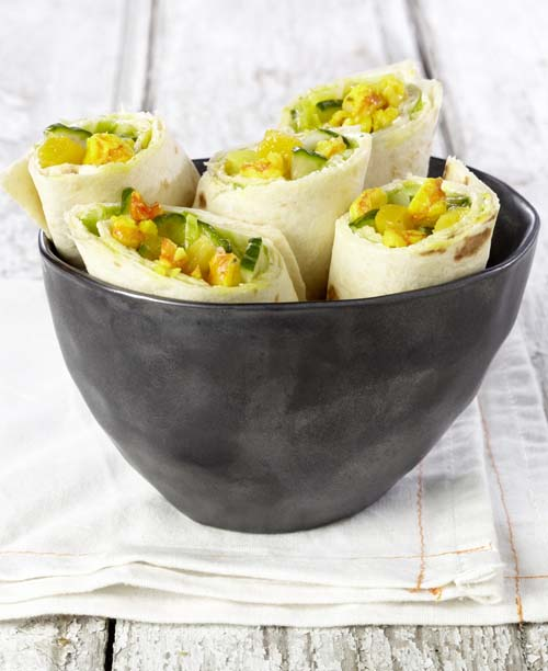 Exotische wrap met mango en gemarineerde scampi's
