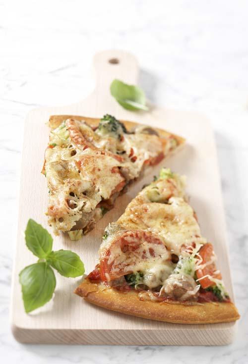 Broccolipizza met vegetarische worst