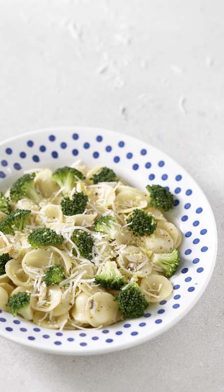 Traditionele orecchiette met ansjovis en broccoli