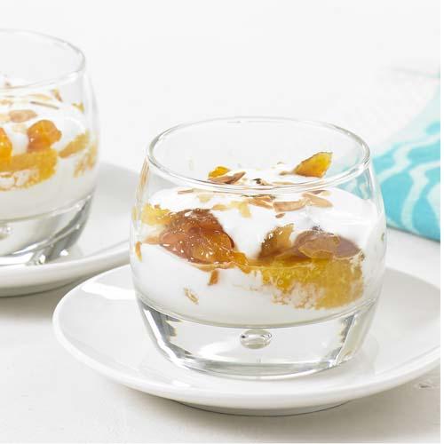 Yaourt grec aux oranges et abricots séchés