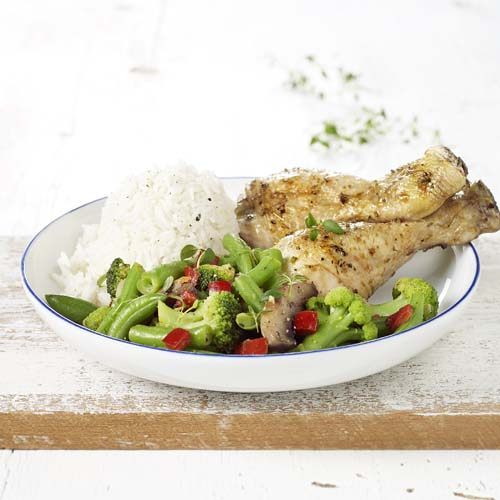 Pilons de poulet au four, légumes forestière et riz basmati