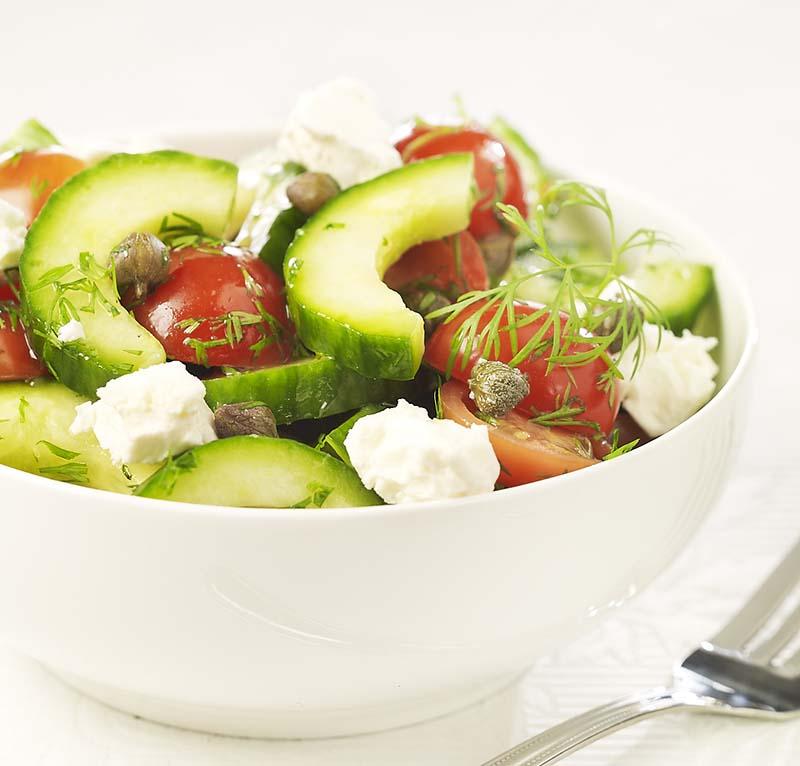 Grieks komkommerslaatje met dille