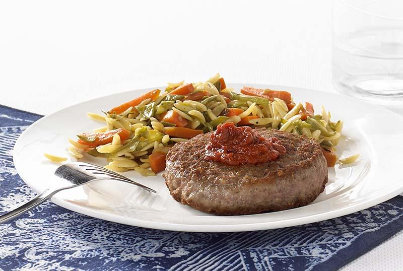 Burger Meatland au ketchup maison et risones aux légumes