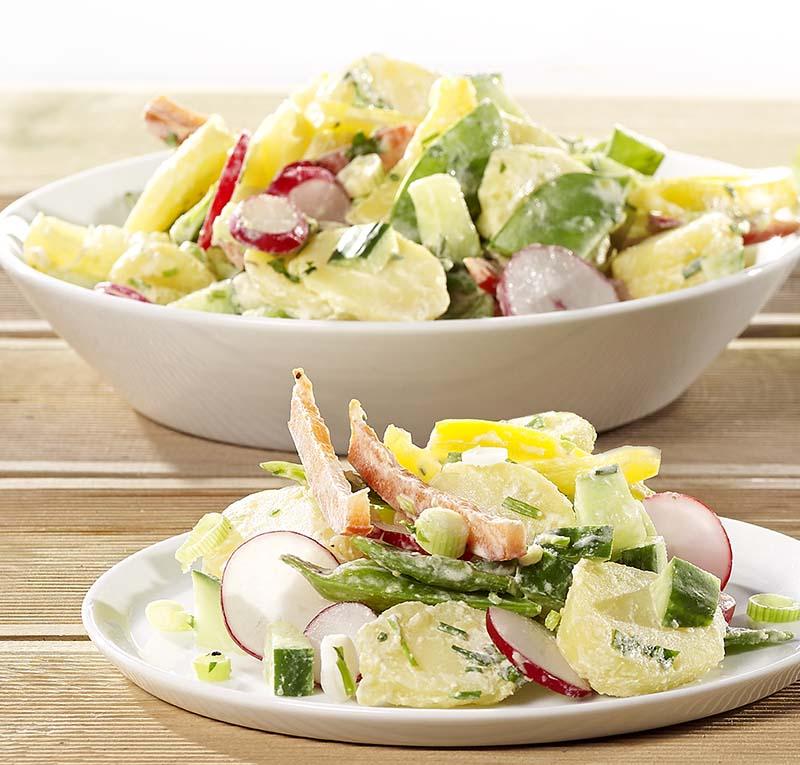 Salade de pommes de terre colorée et dressing aux fines herbes
