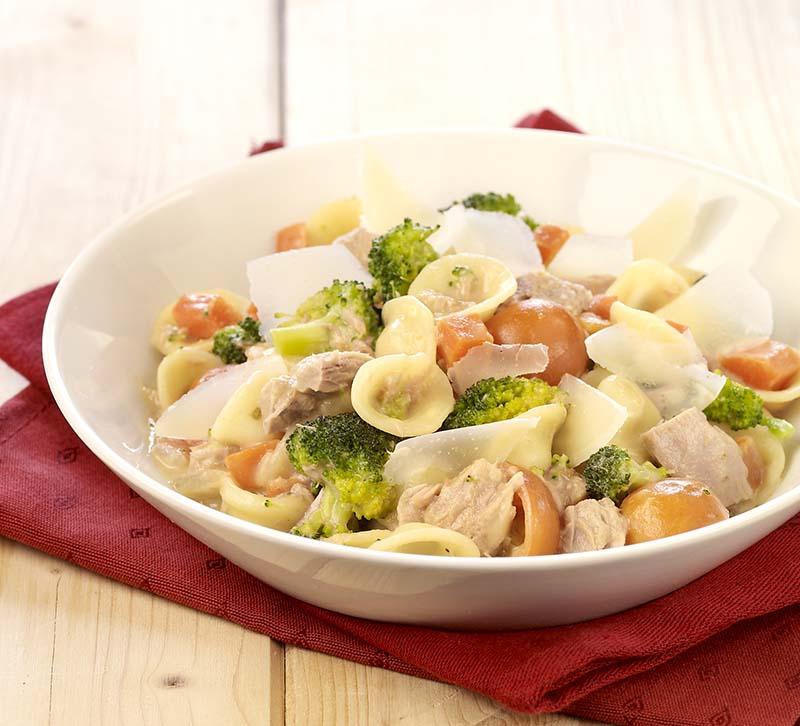 Orecchiette met tonijnsaus tricolore (baby eet mee)