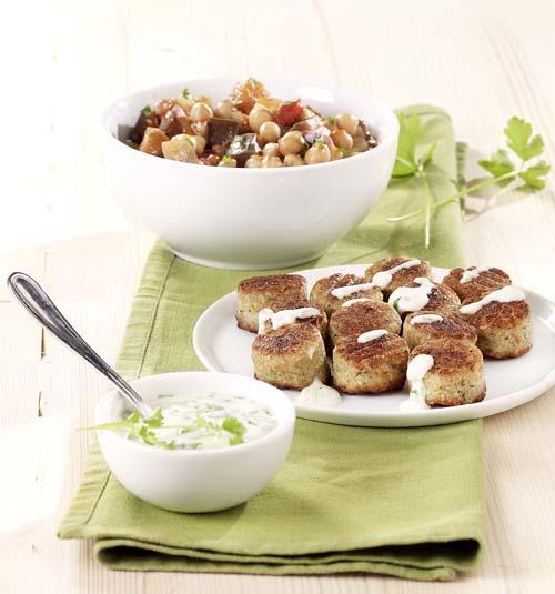 Falafel met stoofpotje van aubergine en kikkererwten