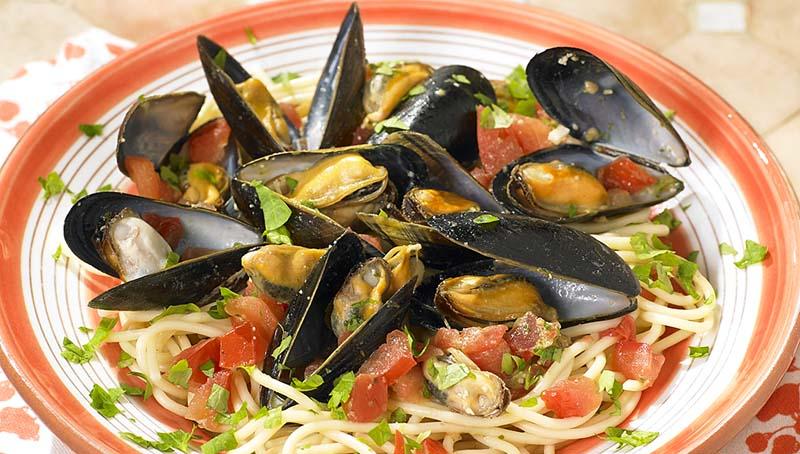 Spaghettis aux moules et au pesto