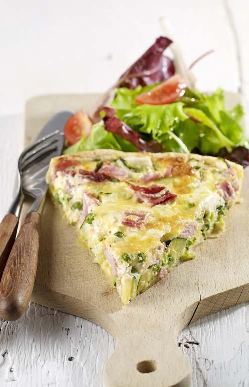 Quiche met groene groentjes en ham