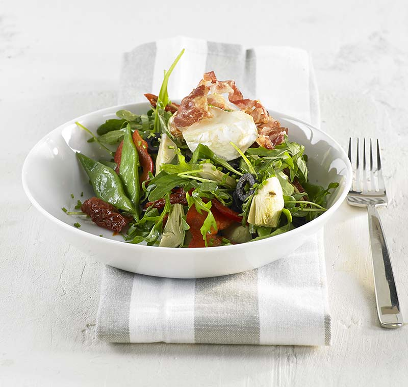 Boontjessalade met warme geitenkaas en pancetta