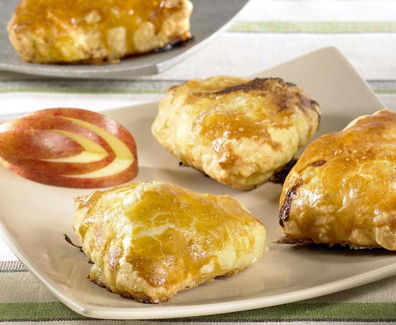 New Bladerdeeghapje met appel en brie | Colruyt #ZO81