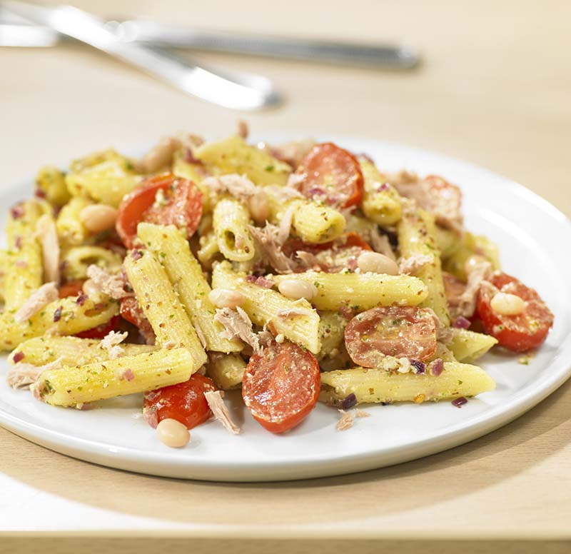 Frisse pastasalade met tonijn en salsa verde