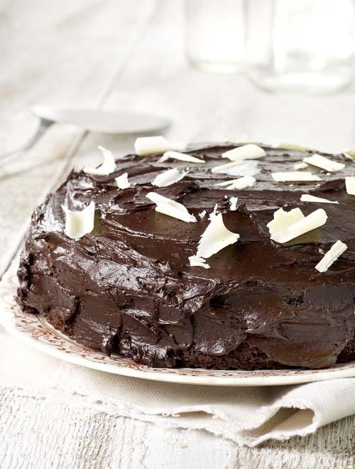 Gâteau au chocolat nappé de crème cacaotée